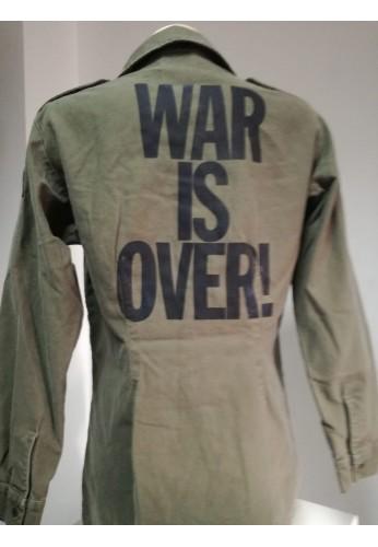 SOBRECAMISA ``WAR IS OVER´´